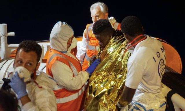 Migranti: arriva la task force del governo per risolvere l'emergenza hotspot in Sicilia