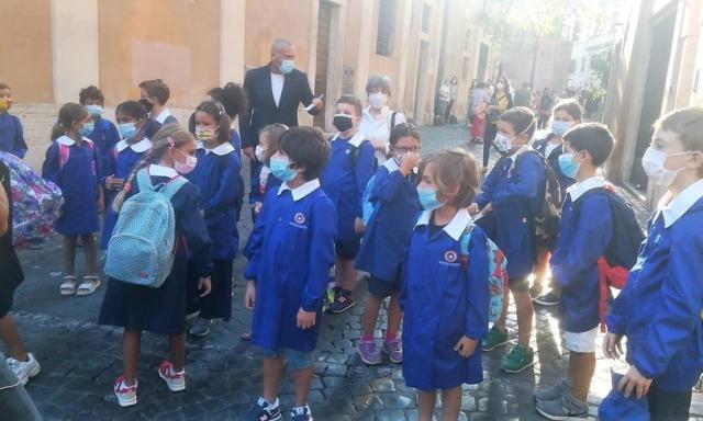 La campanella il 22 suona in Sardegna poi via via riapriranno tutte le scuole