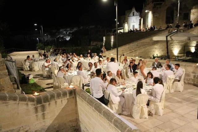 Cena bianca sotto le stelle 2020 a Gravina in Puglia