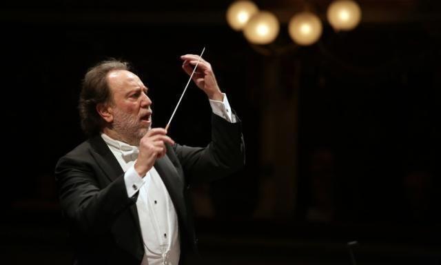 Weekend rinascita per la Scala: riapre il Teatro e La Filarmonica suona per Italia