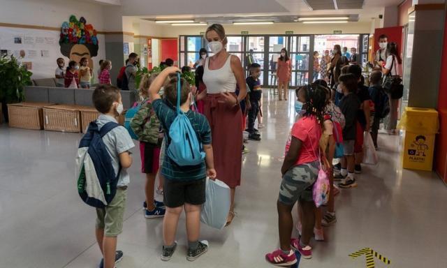 La verità sull'uso delle mascherine in classe secondo i pediatri