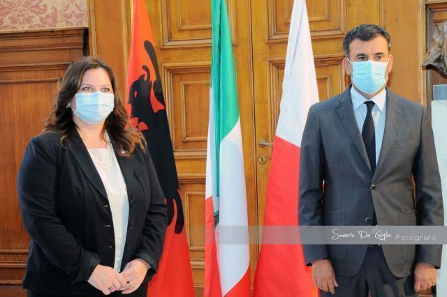 Il nuovo console generale d'albania in visita nella città di Bari