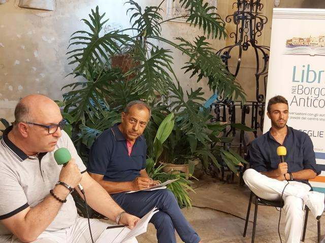 """""""Scatola Nera"""", il nuovo libro di Stefano Coropulis presentato a Palazzo Ammazzalorsa a Bisceglie"""