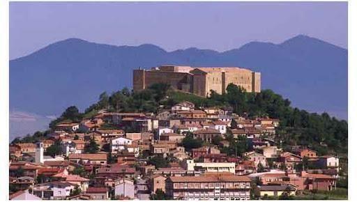 Turismo delle radici, Basilicata: Lagopesole, sulle tracce dell'emigrazione