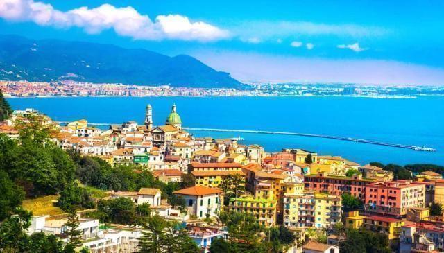 Turismo delle radici, Campania: Vietri sul Mare, la prima perla della costiera amalfitana