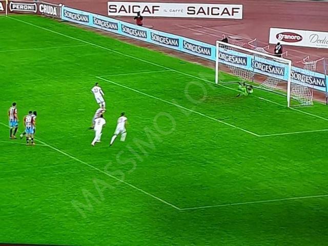 Prima vittoria del Bari in casa condita da quattro gol al Catania