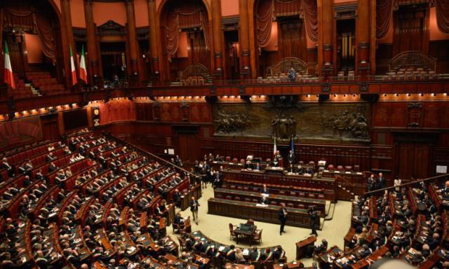 """Il governo e la partita dei """"responsabili"""":Udc e Cambiamo si sfilano"""