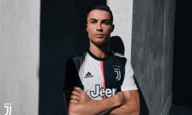 Covid: calciatori della Juveviolano l'isolamento, la Asl di Torinoli denuncia