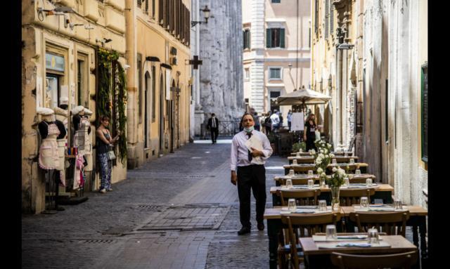 Allarme delle imprese per le nuove chiusure, il governo studia i ristori