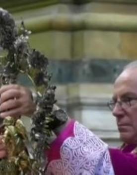 Attesa a Napoli per il sangue di San Gennaro, niente miracolo per ora
