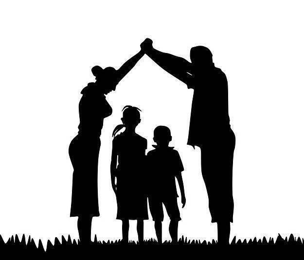 Famiglia sospesa. La gente comune che dona alla gente comune