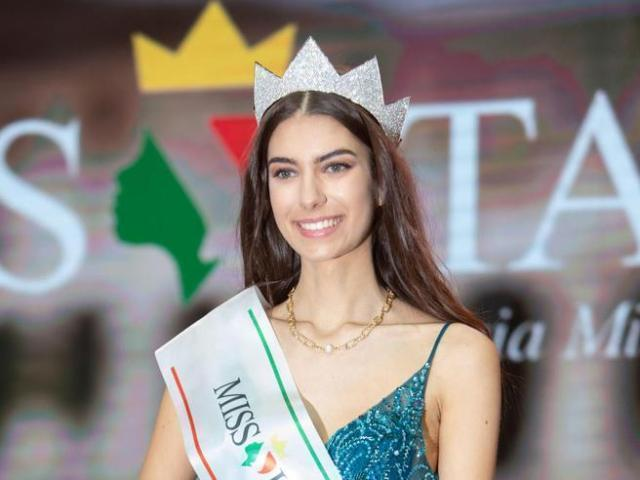 Miss Italia, la vincitrice 2020 è la 19enne Martina Sambucini