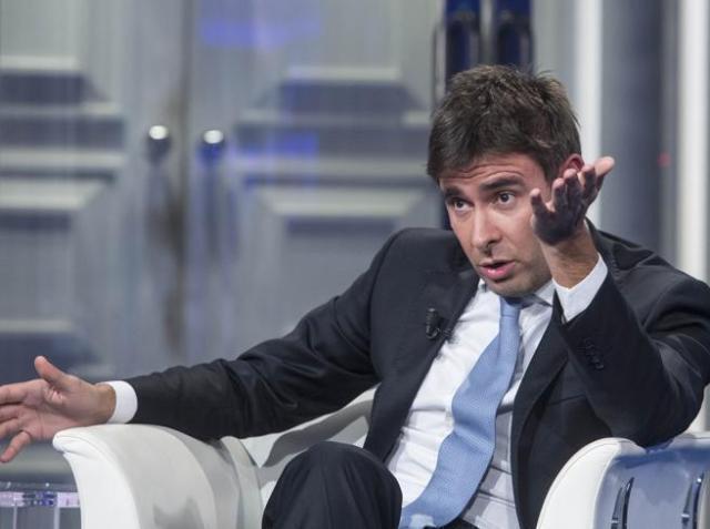 Tensione interna al Movimento 5 Stelle. Scontro Di Battista Renzi