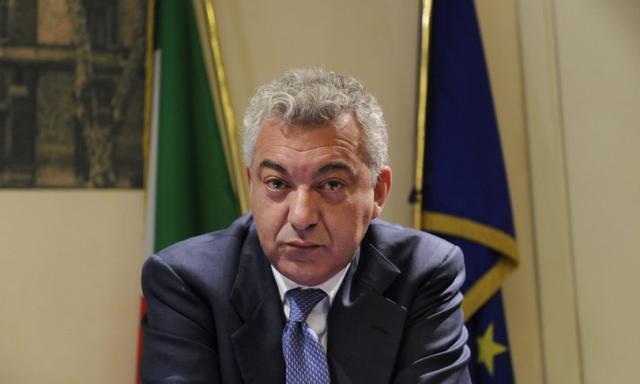 Da lunedì Pfizer taglierà del 29% la fornitura di vaccini all'Italia