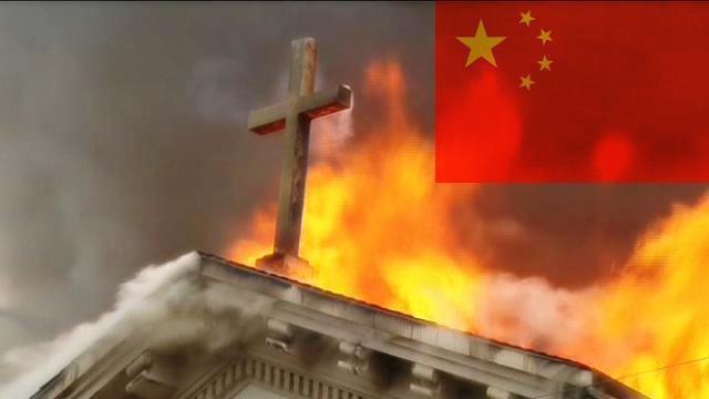 Cina : croci in fiamme, persecuzioni contro i Cristiani