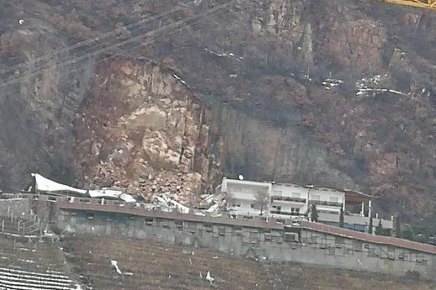 Una frana si è abbattuta su un albergo a Bolzano, non ci sono vittime