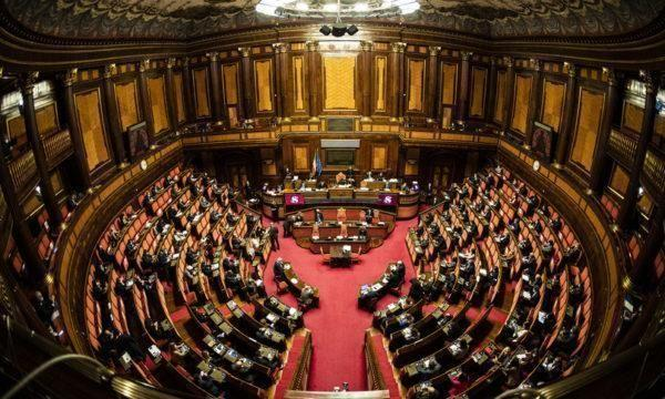 Il Senato vota la fiducia a Conte, 156 i sì