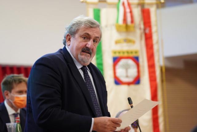 """Scuola in Puglia, l'assessore Leo: """"Ordinanza Emiliano confermata anche la settimana prossima"""""""