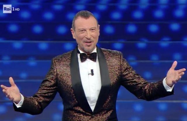 Amadeus si arrende: Sanremo senza pubblico, l'Ariston sarà deserto