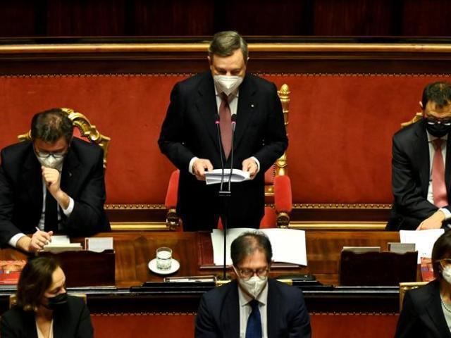 """L'appello di Draghi all'unità contro il virus, """"nemico di tutti"""""""