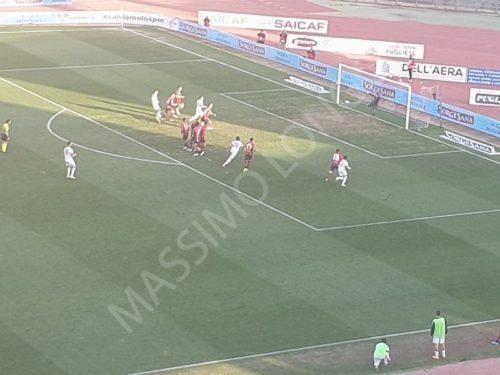 Stoicamente il Bari vince il  derby contro il Foggia