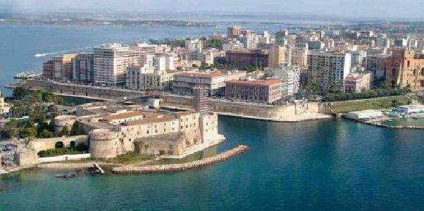 Taranto – Melucci e Amic.A per le famiglie fragili
