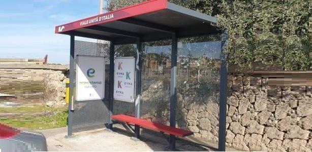 Taranto – Pensiline degli autobus pulite e linde in città