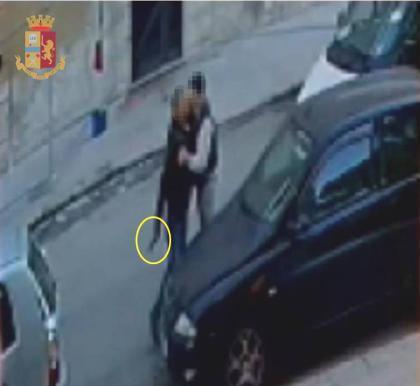 Taranto, sparatoria in via Masaccio: arrestato 53enne per tentato duplice omicidio