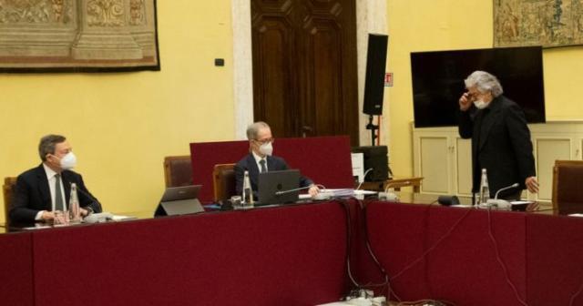 Grillo chiede un super ministro di Sviluppo e Ambiente