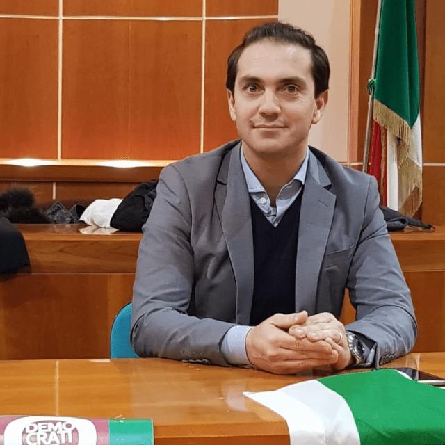 Dal Capogruppo PD, l'Onorevole Ubaldo Pagano.