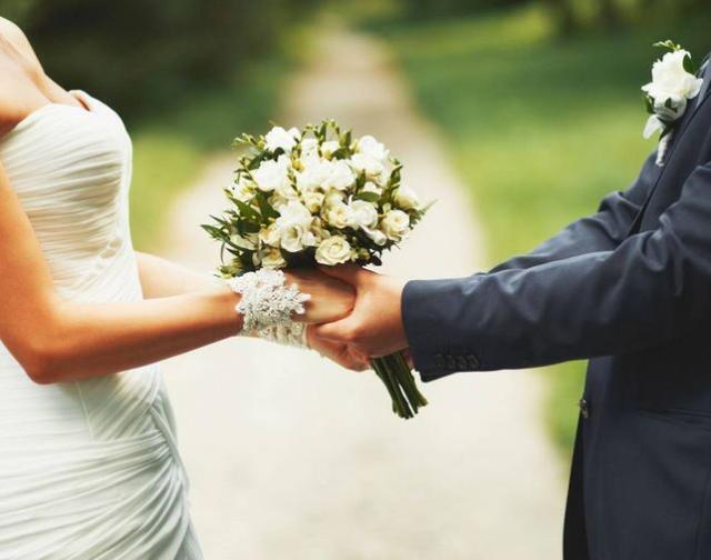 Coronavirus: crack da 5 mld con matrimoni dimezzati nel 2020