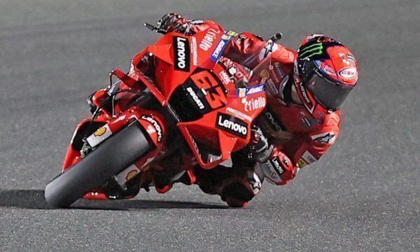 MotoGp: Vinales vince in Qatar, Bagnaia terzo dietro l'altra Ducati di Zarco