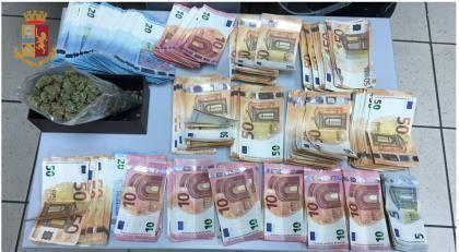 Taranto, in casa gestiva market della droga: arrestato 24enne