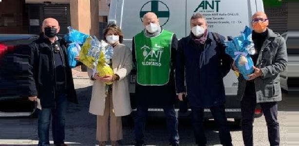 Taranto Rotary – Dono di Pasqua ai soci con le uova dell'Ant