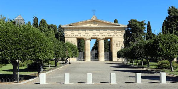 Il cimitero comunale resterà aperto nel corso della Settimana Santa