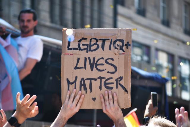 Ancora discriminazioni nei confronti degli omossessuali