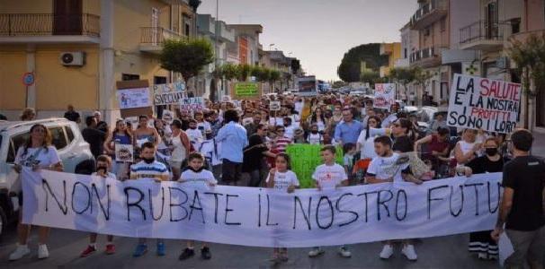 Lizzano (Taranto) – Discarica – al Comune tutto tace, il rimbrotto del consigliere Angelo De Lauro