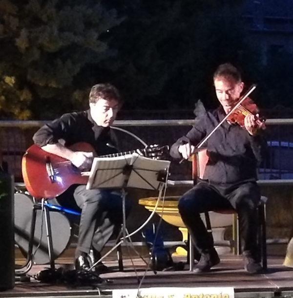 """Concerto """"anomalo"""" per il cantautore barese Marco Laccone."""