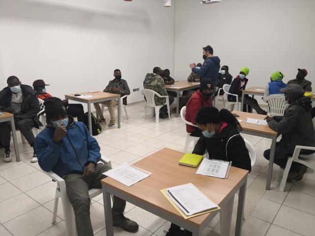 Foggia, iniziati i corsi di italiano per migranti