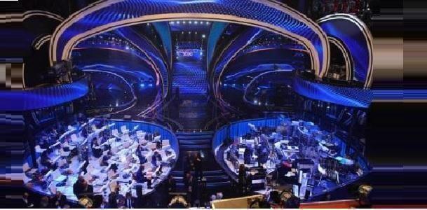 Sanremo, il vero eroe è lo scenografo, per quella scena futuristica