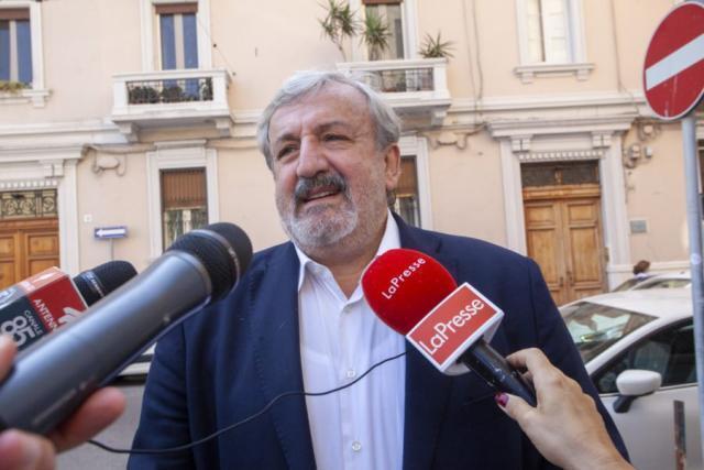 Scuole Puglia, Dad a scelta delle famiglie fino al 15 maggio. Lo annuncia Emiliano