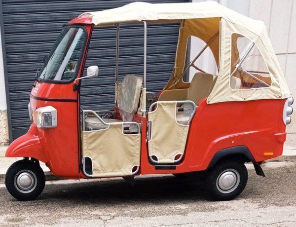 Altamura – In giro per il centro storico con il 3-ruote Ape car di Lorenzo Cappiello, un servizio che affascina i turisti