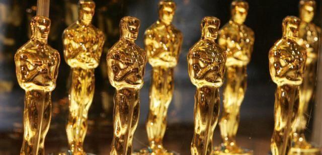 Oscar: l'Italia fa il tifo per Laura Pausini