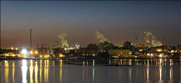 Taranto – Esplosione e incendio in Acciaieria 2, salvi per miracolo gli operai