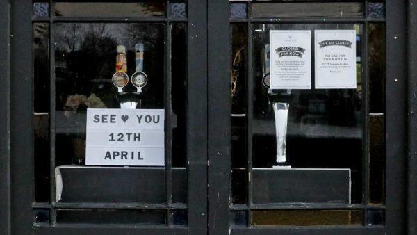Gran Bretagna, riaprono i pub