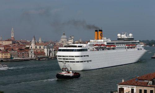 Grandi navi fuori dalla laguna di Venezia, l'ok del Cdm