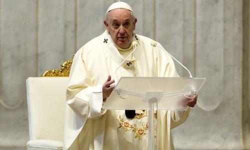 """Il Papa: """"In questa buia pandemia Cristo ci dice di ricominciare"""""""