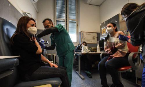 Le indicazioni dell'Inail per i vaccini sui luoghi di lavoro