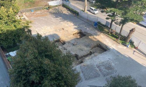 Da un cantiere per una pompa di benzina emerge un anfiteatro romano