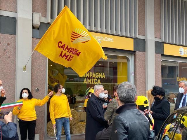 Taranto – Coldiretti: inaugurato oggi in viale Virgilio il mercato dei prodotti genuini di Puglia